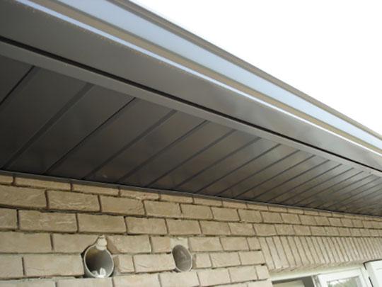 Tand en groefpanelen aluminium - dakoversteek