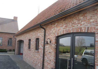 Dakgoot en afvoerbuis in aluminium landelijke woning - Alustar - West-Vlaanderen