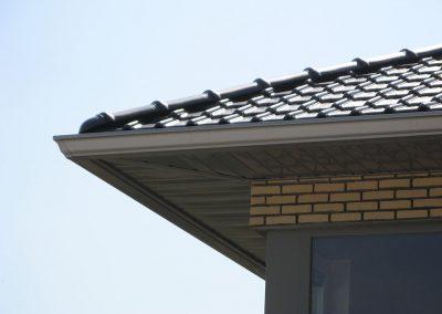 Dakgoot en dakoversteek in aluminium