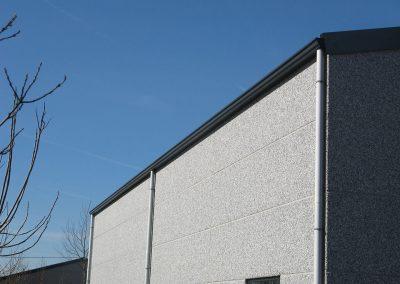 Industriebouw Oost-Vlaanderen - Zwevezele - aluminium regenpijpen en dakgoten