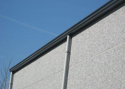 Industriebouw Oost-Vlaanderen - aluminium afvoeren en dakgoten - klembeugel